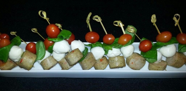 CL chicken sausage caprese skewers_upload.jpg